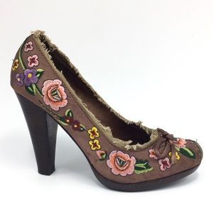 Two Lips Brown Pink Floral Rosarana Heels 6M